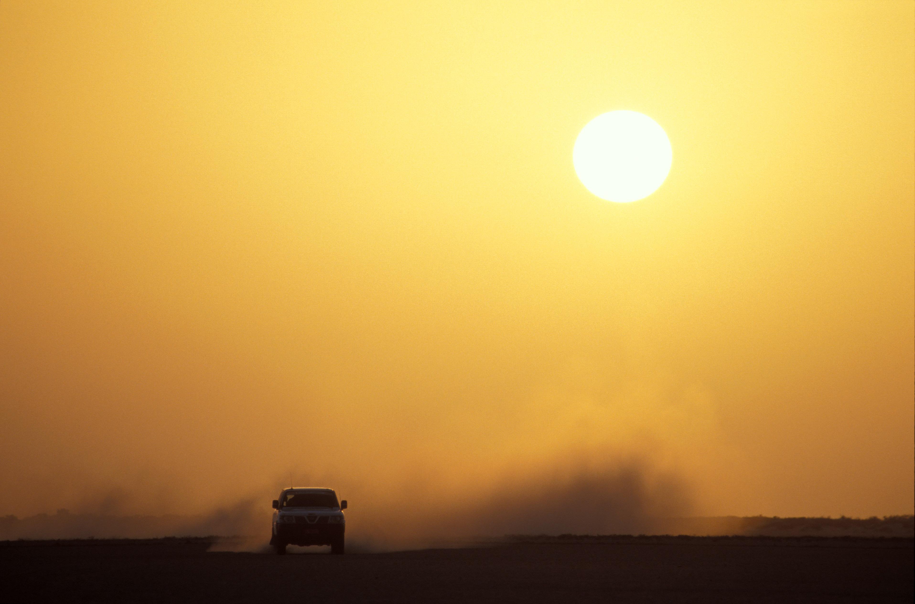 sultanat oman - jeep in der wueste - mietwagentour - selbstfahrerreise